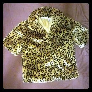 Faux fur cheetah print short sleeve jacket